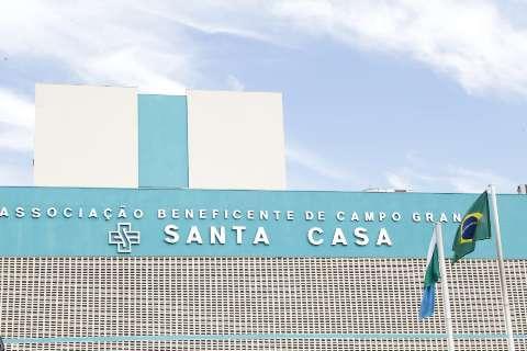 Após 18 dias internada, jovem baleada na cabeça da à luz na Santa Casa