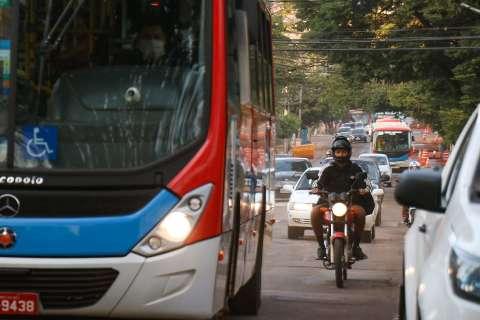 Motoristas de ônibus se livram de multas por atraso durante obras