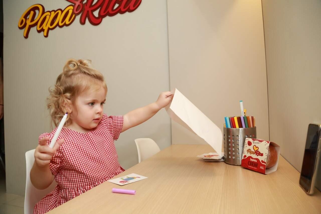 Cecilia, sobrinha e afilhada de Juliana é uma das clientinhas que ama a Papa Rica, aliás, tudo começou por causa dela. (Foto: KísieAionã)