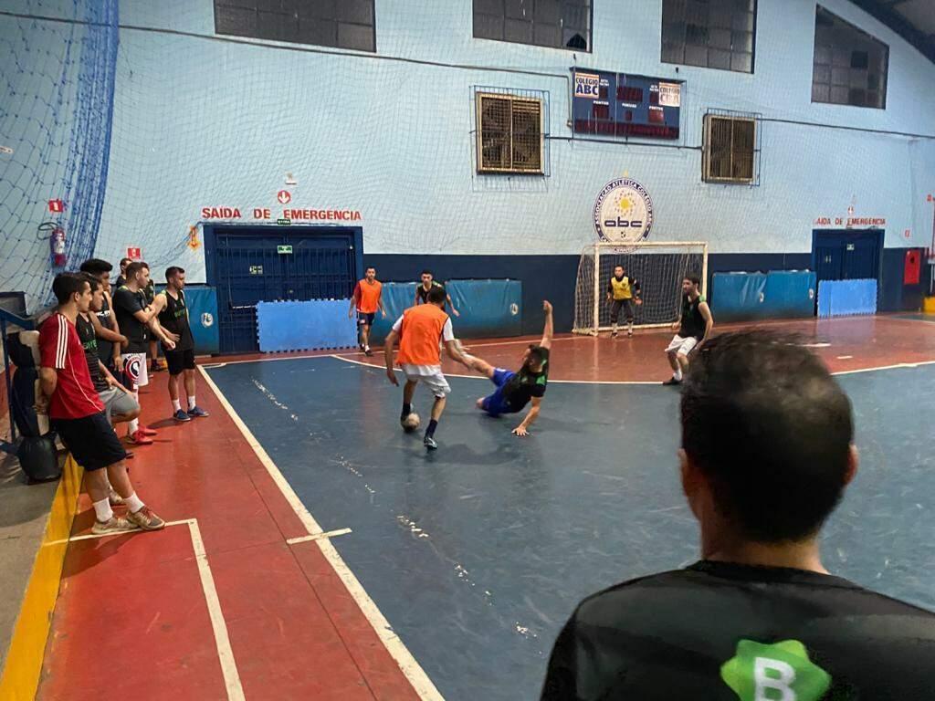 Buybet Futsal durante preparação para a estreia diante do atual campeão da competição (Foto: Arquivo)