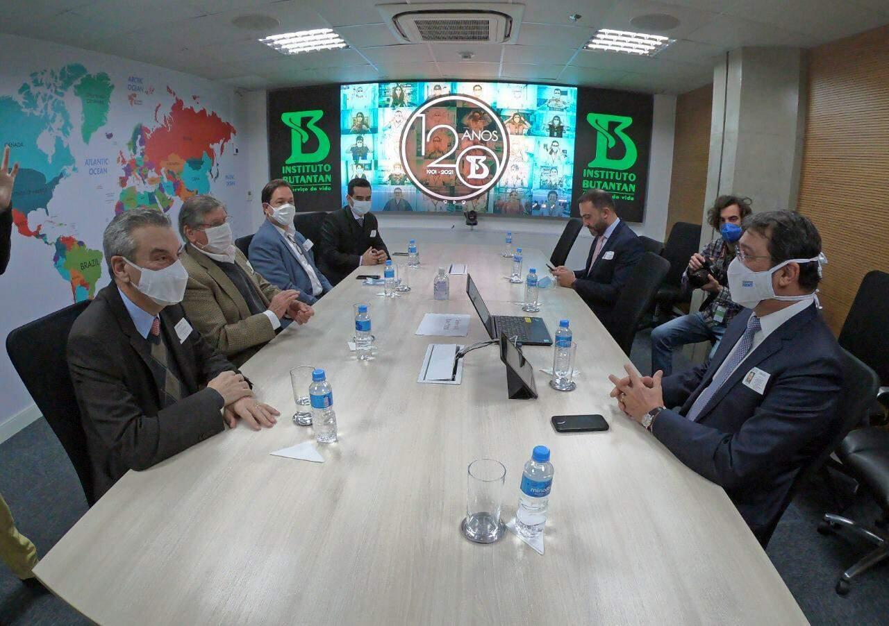 Reunião feita no Instituto Butantan, onde Coronavac é produzida no País (Foto: Reprodução/Fiems)