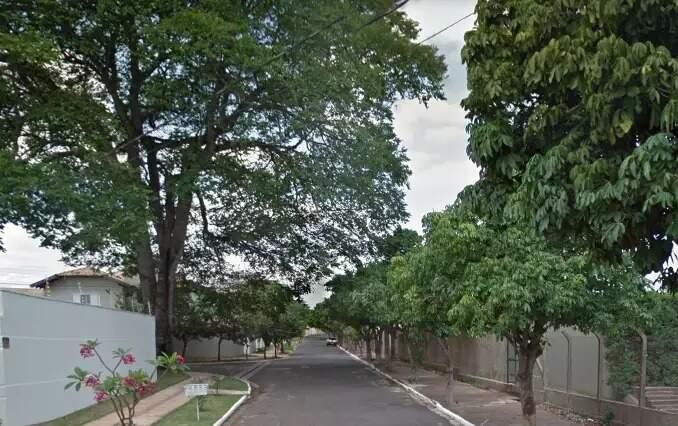 Rua no Carandá Bosque onde ocorreu tentativa de assalto. (Foto: Google Maps)