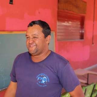 """Depois de errar no português, Dudu abre """"sala de aula"""" em lanchonete"""