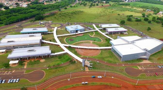 Vista aérea da unidade da Uems, em Campo Grande. (Foto: Chico Ribeiro)