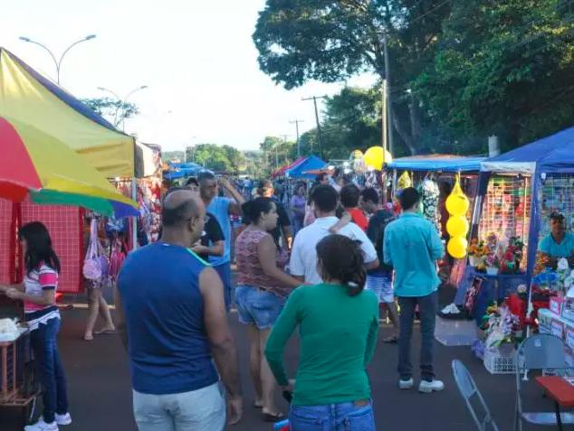 Feira livre na Avenida Rita Vieira de Almeida (Foto: Arquivo)