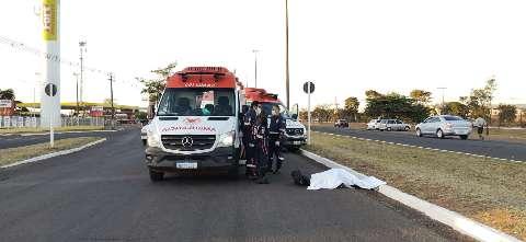 Funcionário de atacadista morre atropelado na Gury Marques e motorista foge