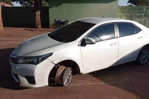 Corolla roubado de família foi apreendido e camionetes levadas para o Paraguai