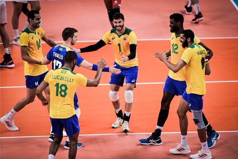 Brasil, encabeçado pelo levantador Bruninho, camisa 1, busca o segundo ouro seguido (Foto: Divulgação/FIVB)