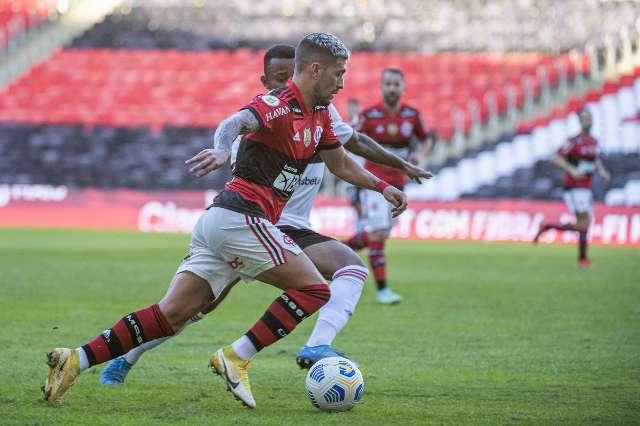 Flamengo vence o São Paulo com goleada de 5 a 1
