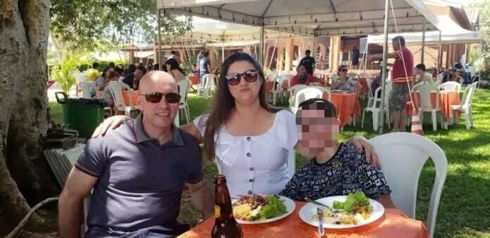 Maurilio, Maria Aparecida e o filho, de 13 anos, foram as vítimas do acidente (Foto: Direto das Ruas)