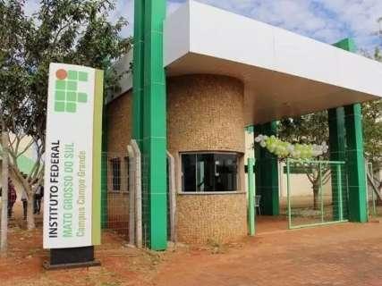 IFMS abre vagas para professores substitutos com salários de até R$ 6,2 mil