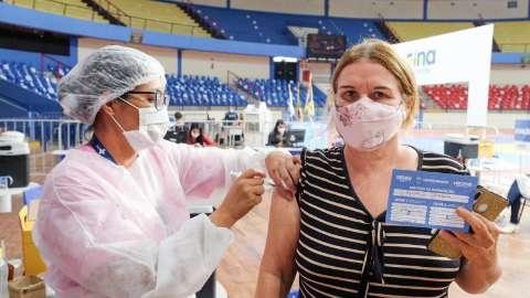 Capital aplica apenas 2ª dose contra covid na Seleta e unidades de saúde