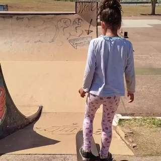 """""""Fadinha"""" Rayssa é esperança de iniciantes para arrasar no skate"""