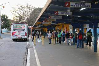 No Terminal General Osório, movimentação era tranquila de passageiros indo para o trabalho. (Foto: Paulo Francis)