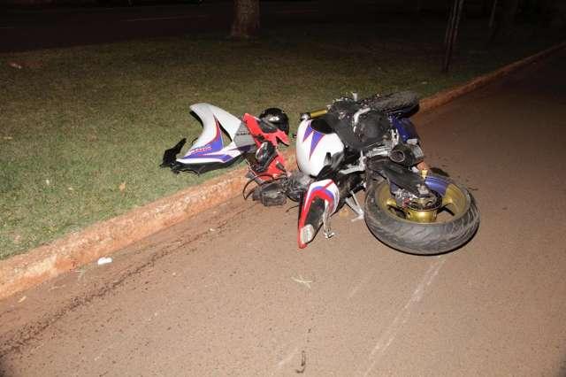Bêbado, jovem pega moto escondido, atropela e mata mulher
