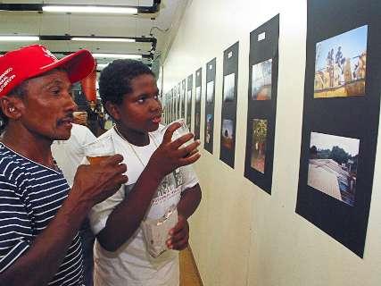 Projeto retoma aulas de fotografia para crianças da periferia