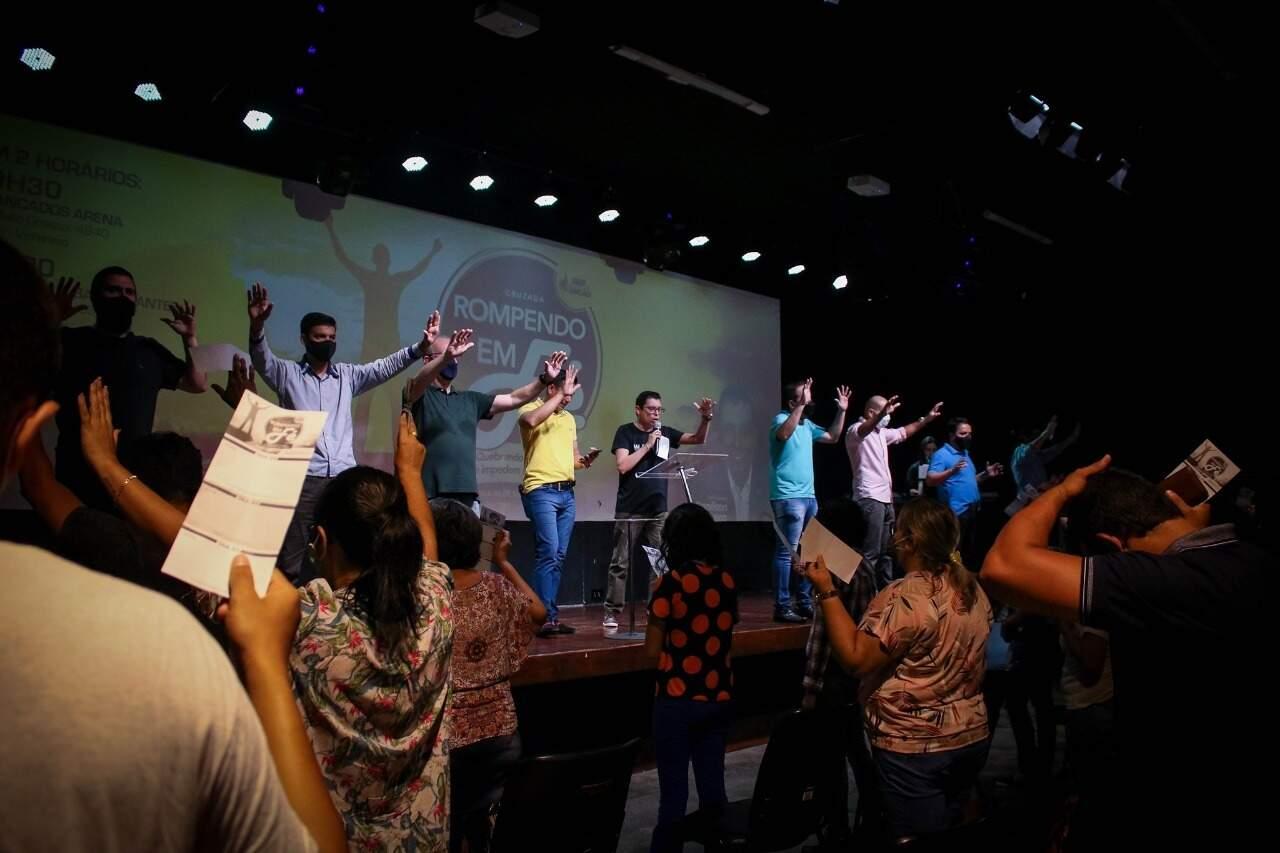 Fiéis durante culto da igreja (Foto: Comunidade Cristã Aliançados/Divulgação)