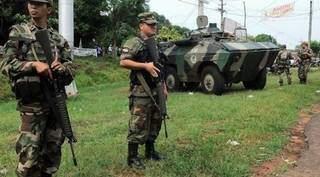 Militares paraguaios em zona de atuação de grupos guerrilheiros (Foto: Jornal Hoy)