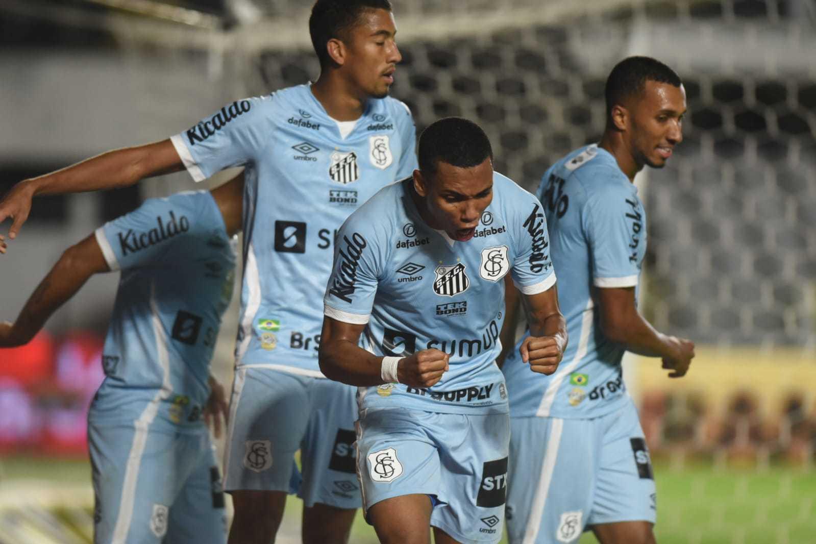Comemoração dos jogadores do Santos, durante a partida. (Foto: Santos/Fc/ReproduçãoTwitter)