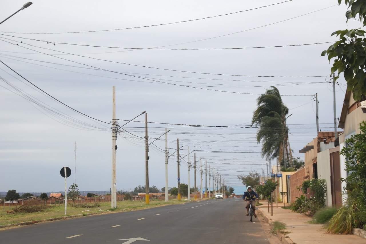Por estar em uma parte alta da Capital, Nova Lima sente mais os efeitos do frio. (Foto: Paulo Francis)