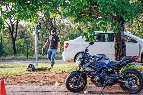 Laudo mostra que PM furou sinal vermelho antes de morrer em acidente com moto