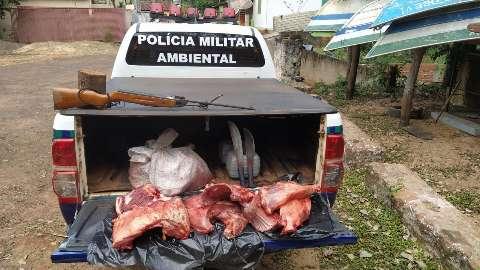 Caçadores são pegos com 42 Kg de animal silvestre e multados em R$ 22 mil