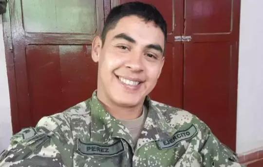 Mauricio Pérez, um dos militares executados no ataque. (Foto: Direto das Ruas)
