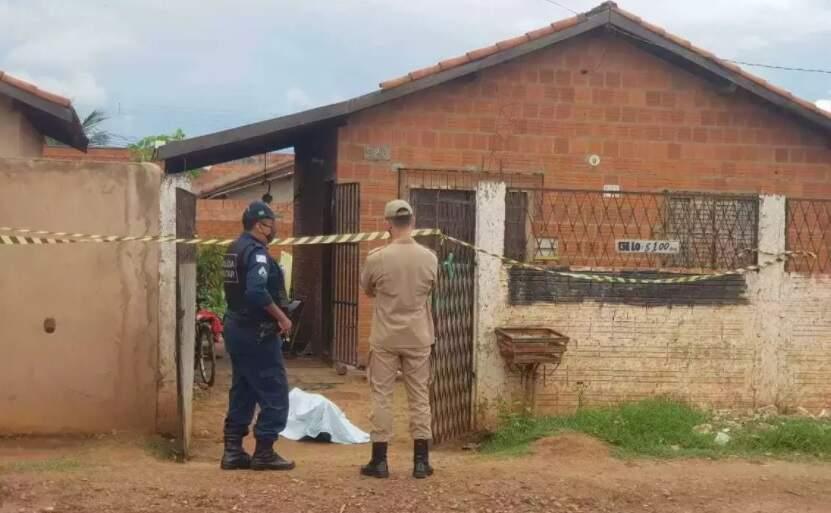 José Augusto Marques da Cruz, 44 anos, foi morto a facadas na casa da ex (Foto: Marcos Rivany)