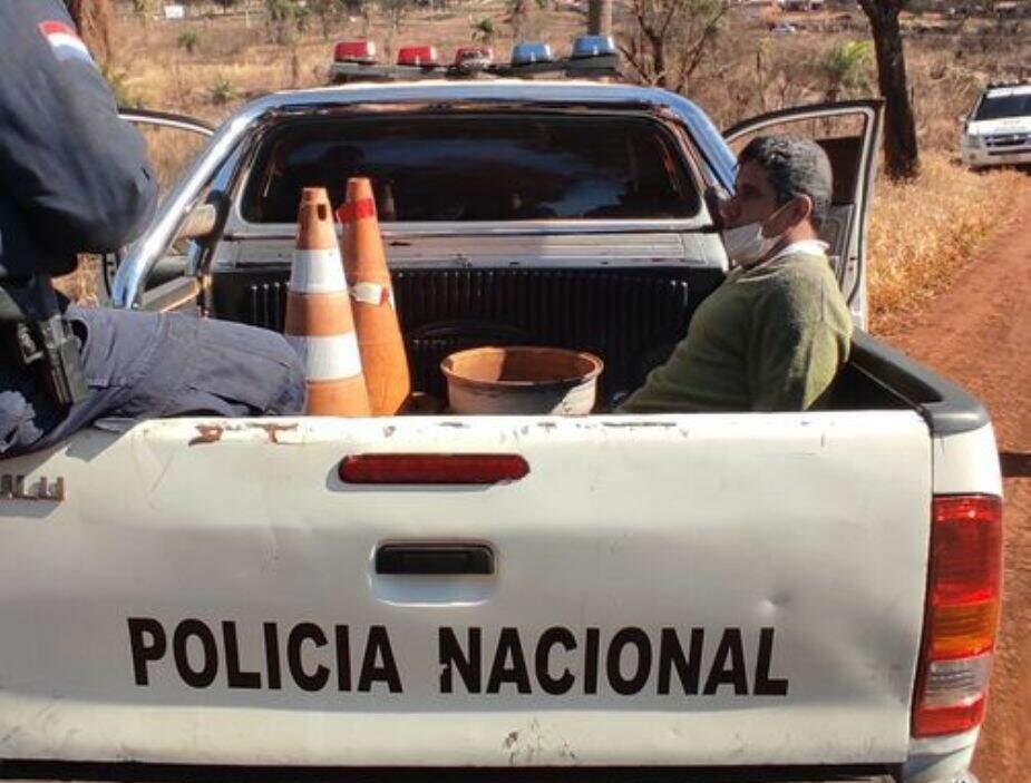 Paulo Cesar Martínez em caminhonete da Polícia Nacional logo após ser preso hoje (Foto: ABC Color)