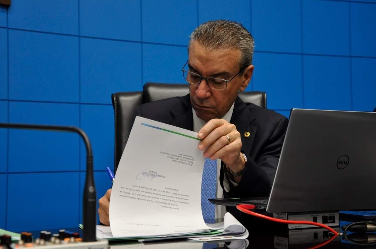 Deputado Paulo Corrêa durante sessão da Assembleia Legislativa (Foto: Luciana Nassar/ALEMS/Divulgação)