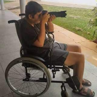 Roberto é fotógrafo e por alguns dias permaneceu na cadeira de rodas.