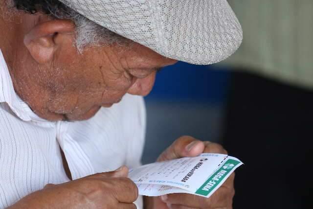 Acumulada há 3 sorteios, Mega-Sena pode pagar R$ 38 milhões