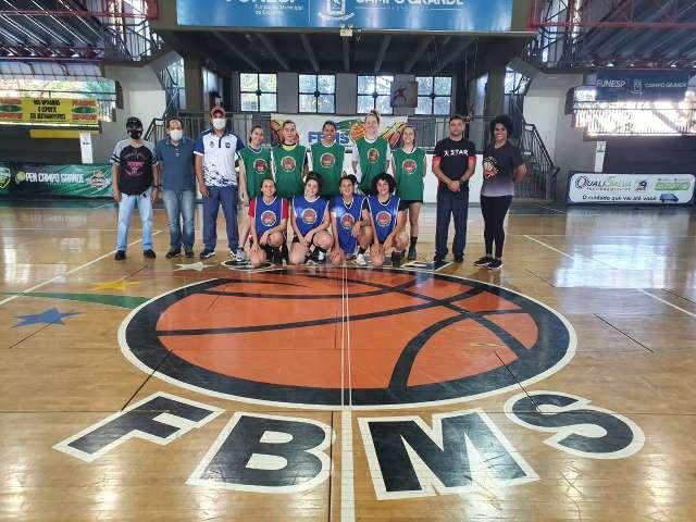 """Equipe de basquete feminino promove """"peneira"""" para disputa do Brasileiro"""