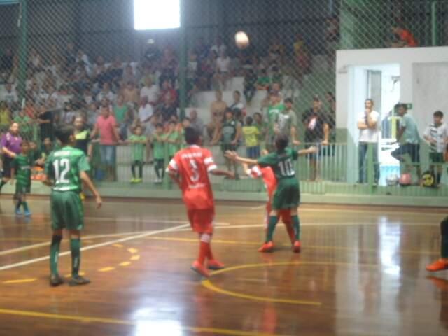 Times de futsal durante edição da Copa Pelezinho, antes da pandemia (Foto: Divulgação)