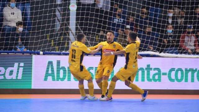 Magnus faz 4 a 1 no Cascavel e vai à final da Taça Brasil de Futsal