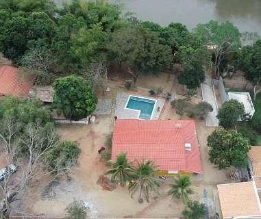 Morador é multado em R$ 10 mil por desmatar área ciliar para construir piscina