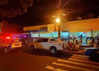 Bar de Dourados sendo fiscalizado pela Guarda Municipal. (Foto: Guarda Municipal de Dourados)