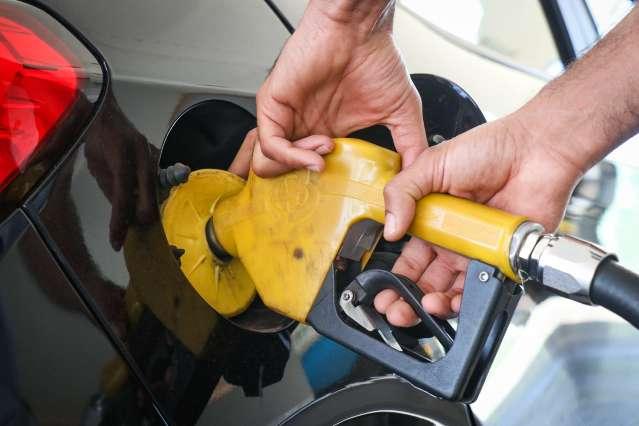 Gasolina é encontrada a R$ 6,33 e acumula alta de 22% nos postos de MS