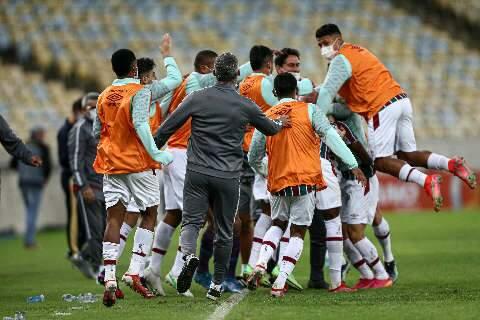 Fluminense faz 3 a 0 no Criciúma e avança às quartas de final da Copa do Brasil