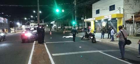 Motociclista morre após capacete se soltar em acidente na Julio de Castilho