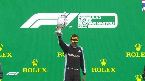 Em corrida caótica, Ocon vence pela primeira vez na F1