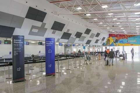 Rumo ao Maranhão, jovem é preso em aeroporto com malas recheadas de droga