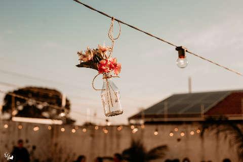 Quintal foi cenário para casamento inspirado no amor pela Itália