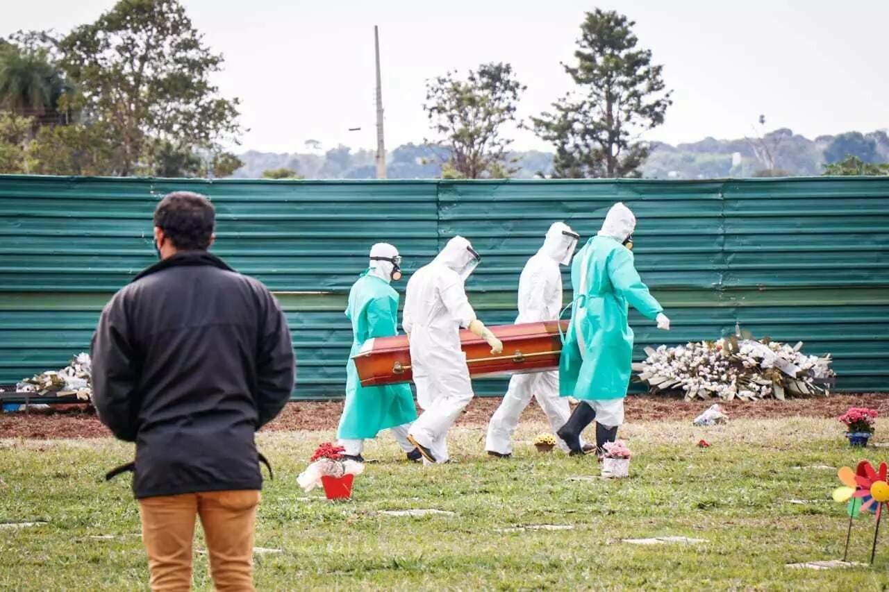 Enterrod e vítima da covid-19 em Campo Grande. (Foto: Arquivo / Campo Grande News)