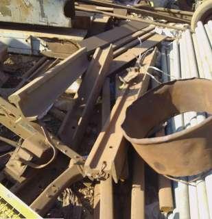 Dono de ferro velho é preso por receptação com 80 metros de trilhos de trem
