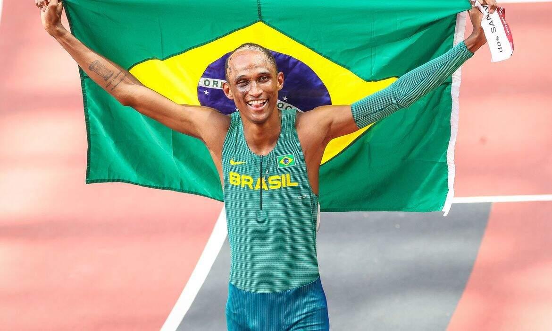 Essa foi a primeira medalha do atletismo do Brasil na atual edição dos Jogos Olímpicos. (Foto: Gapar Nóbrega / COB)