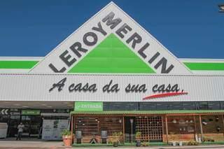 A loja fica na saída para Cuiabá, ao lado do Shopping Bosque dos Ipês. (Foto: Marcos Maluf)
