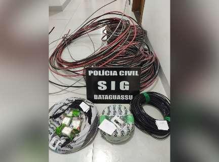 Funcionários de empresa são pegos com R$ 2 mil em cabos de energia furtados