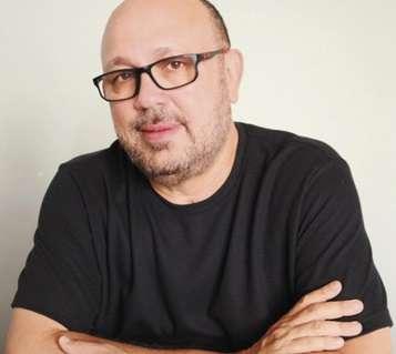 Escritor André Alvez lança primeiro livro de contos e realiza bate-papo em live