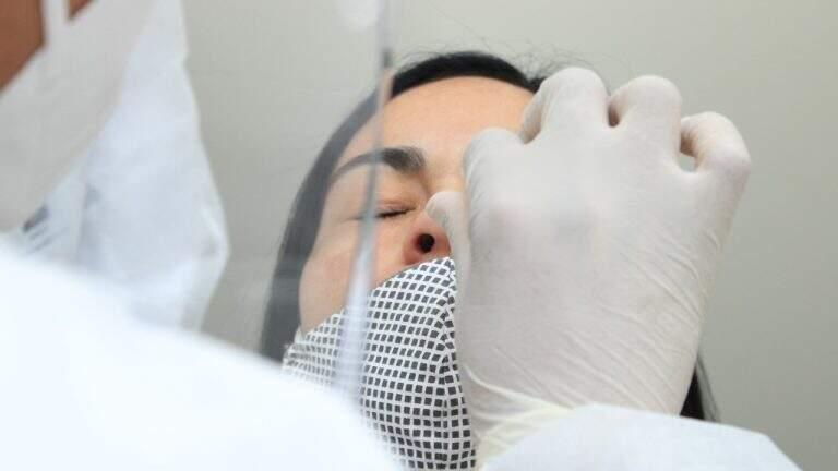 Teste rápido de antígeno também é feito por coleta nasal (Foto: Divulgação | PMCG)